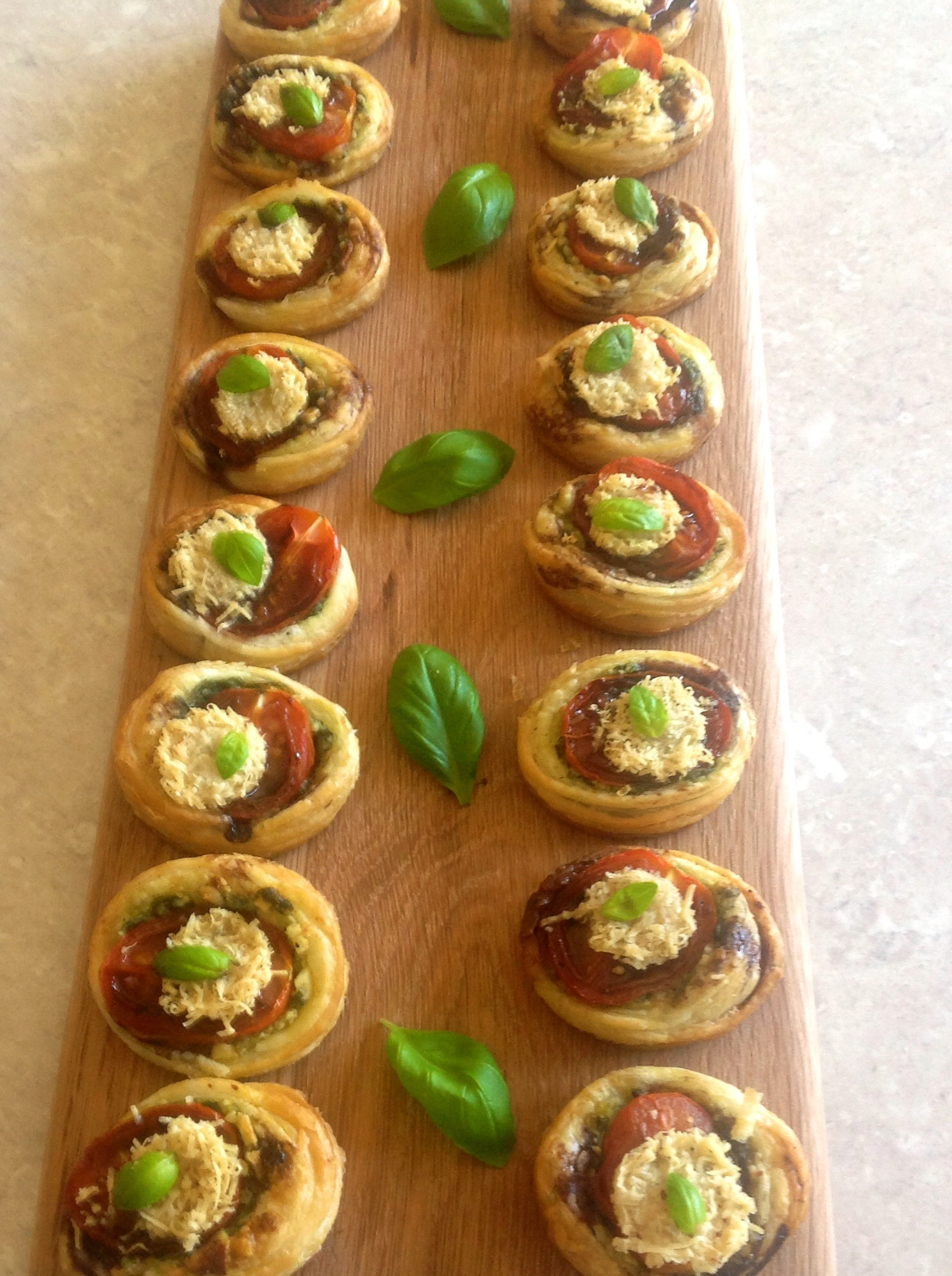 Tomato pesto canap s baking fanatic for How to make a canape