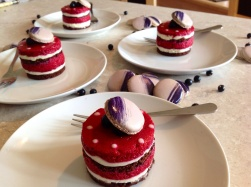 Blackcurrant & white chocolate mousse cakes