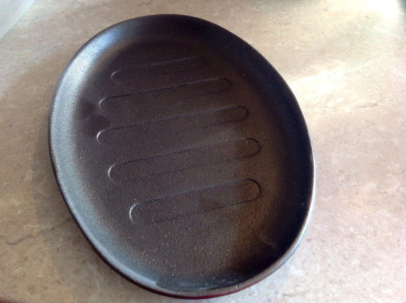 cast iron skillet/sizzle pan (ideal for bread)