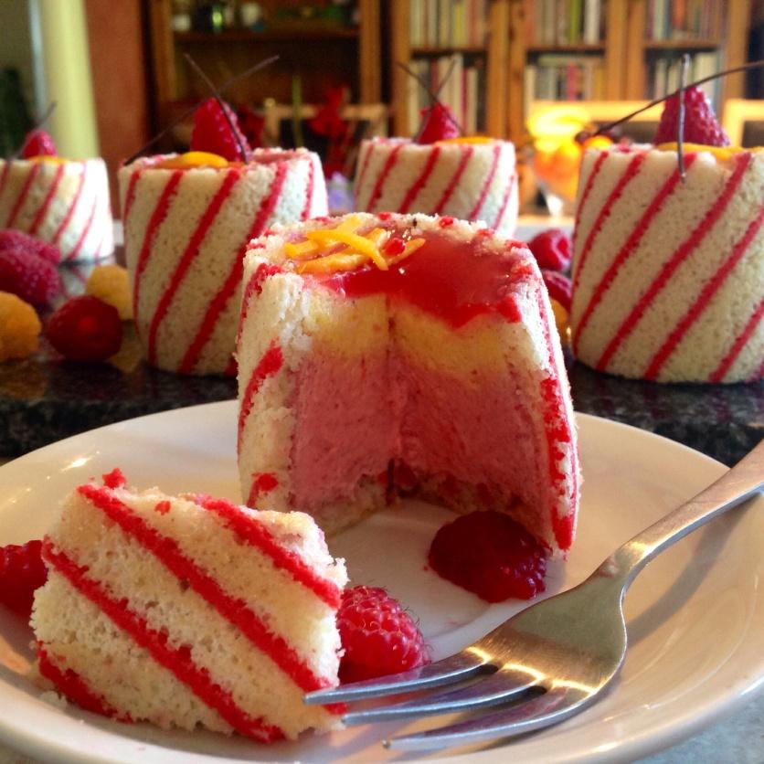Joconde Imprime Mousse Cake