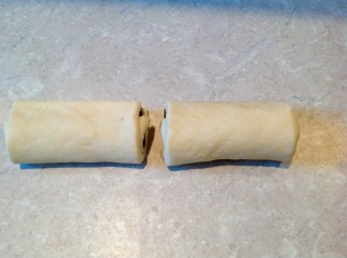 (5) Roll up the dough