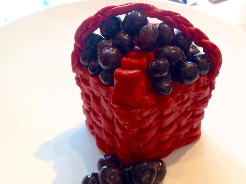 Blueberry fondant fruit basket cake