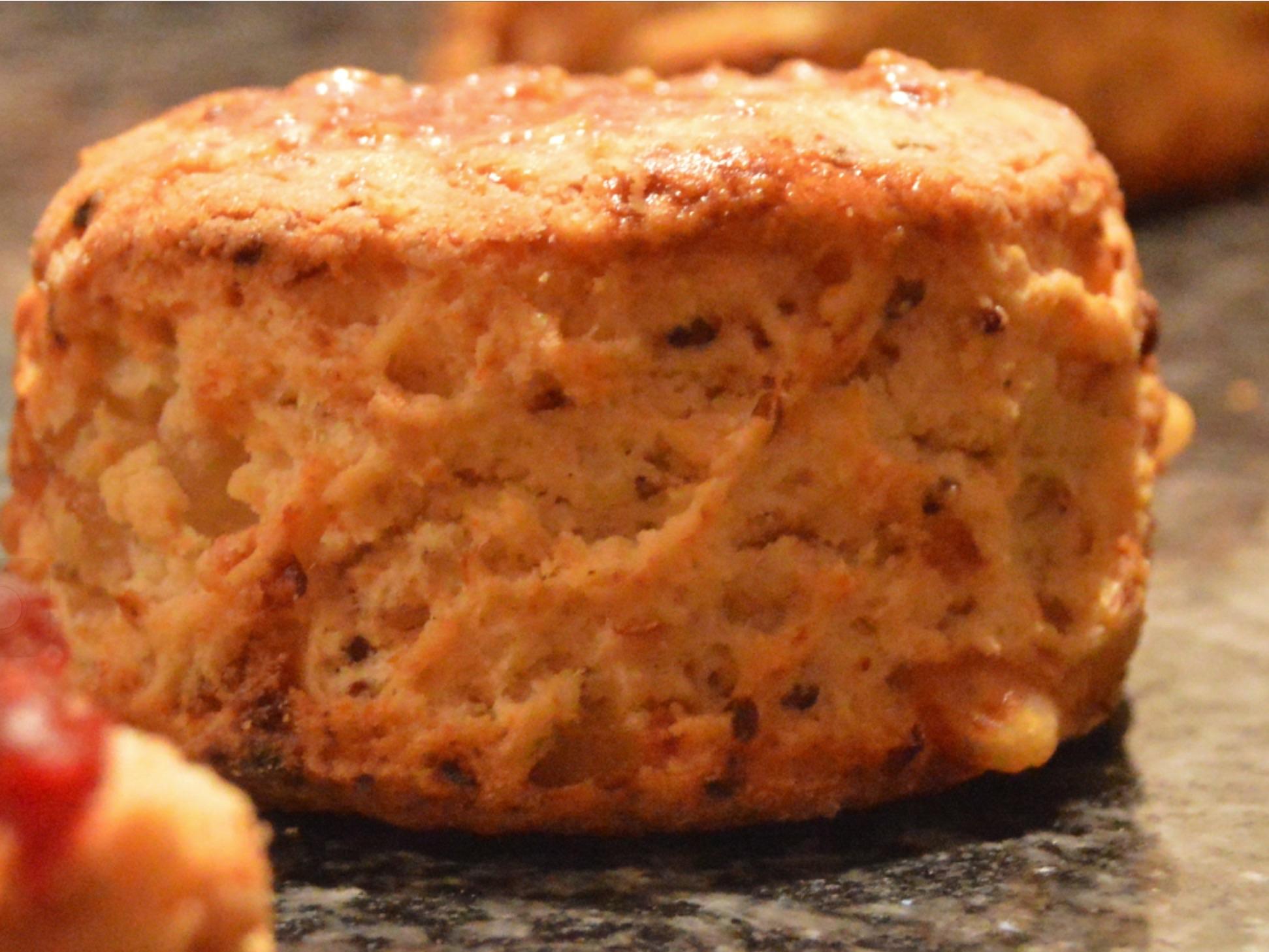 Roasted onion & smoked cheese scones | bakingfanatic