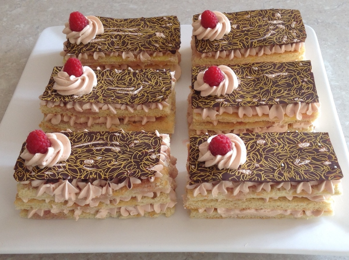 Raspberry genoise slices
