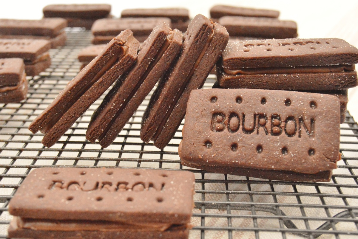 My take on Bourbon biscuits – with mocha ganache & caramelised sugar