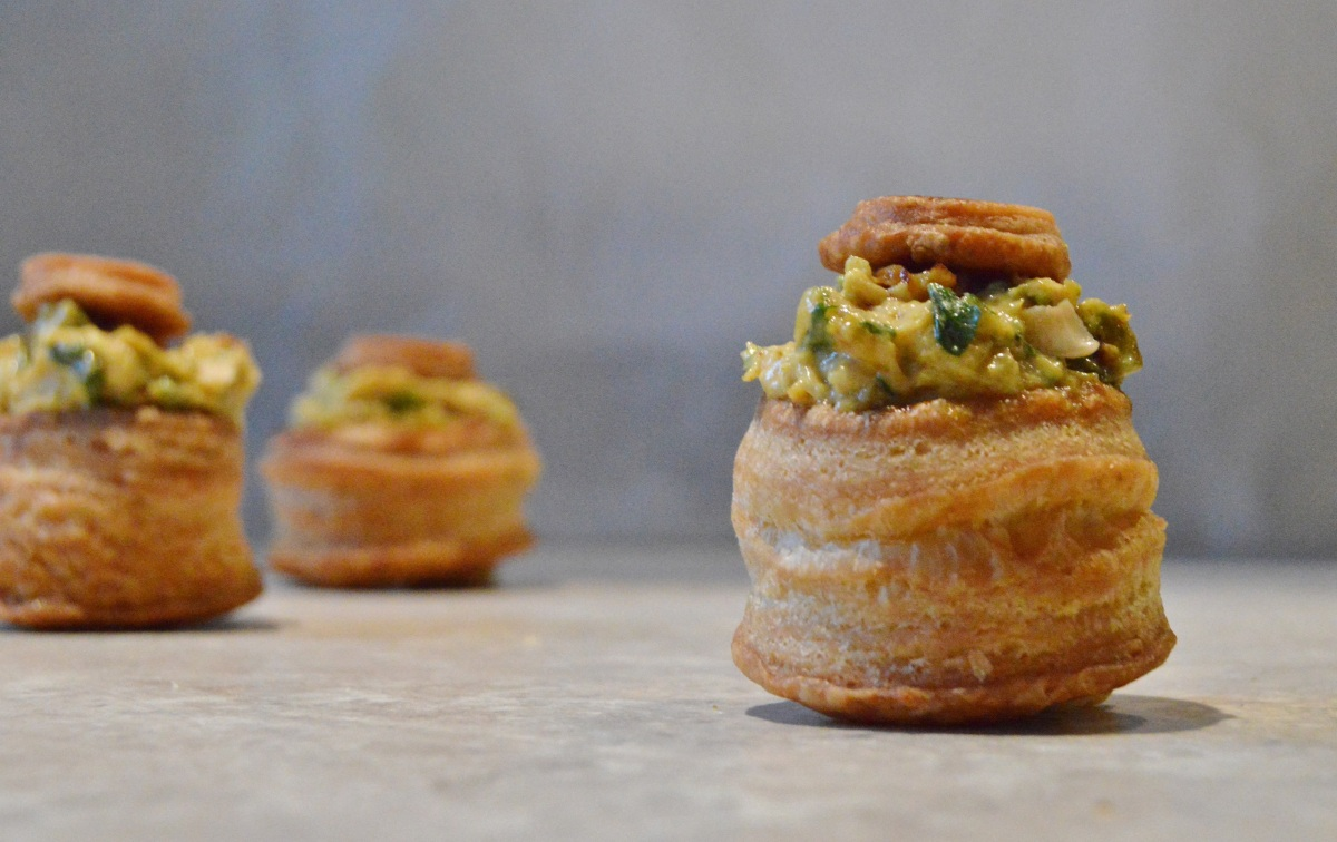 Coronation chicken vol au vents baking fanatic for Canape fillings