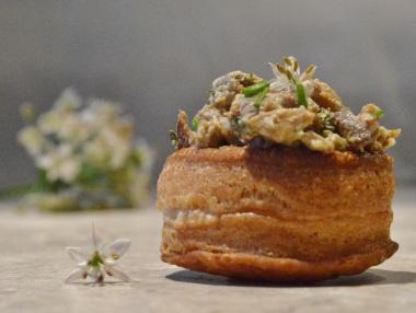 Garlic mushroom vol-au-vents