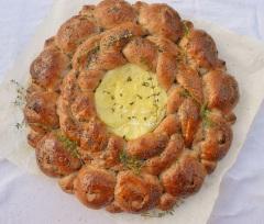 "Walnut & raisin ""tear and share"" bread"