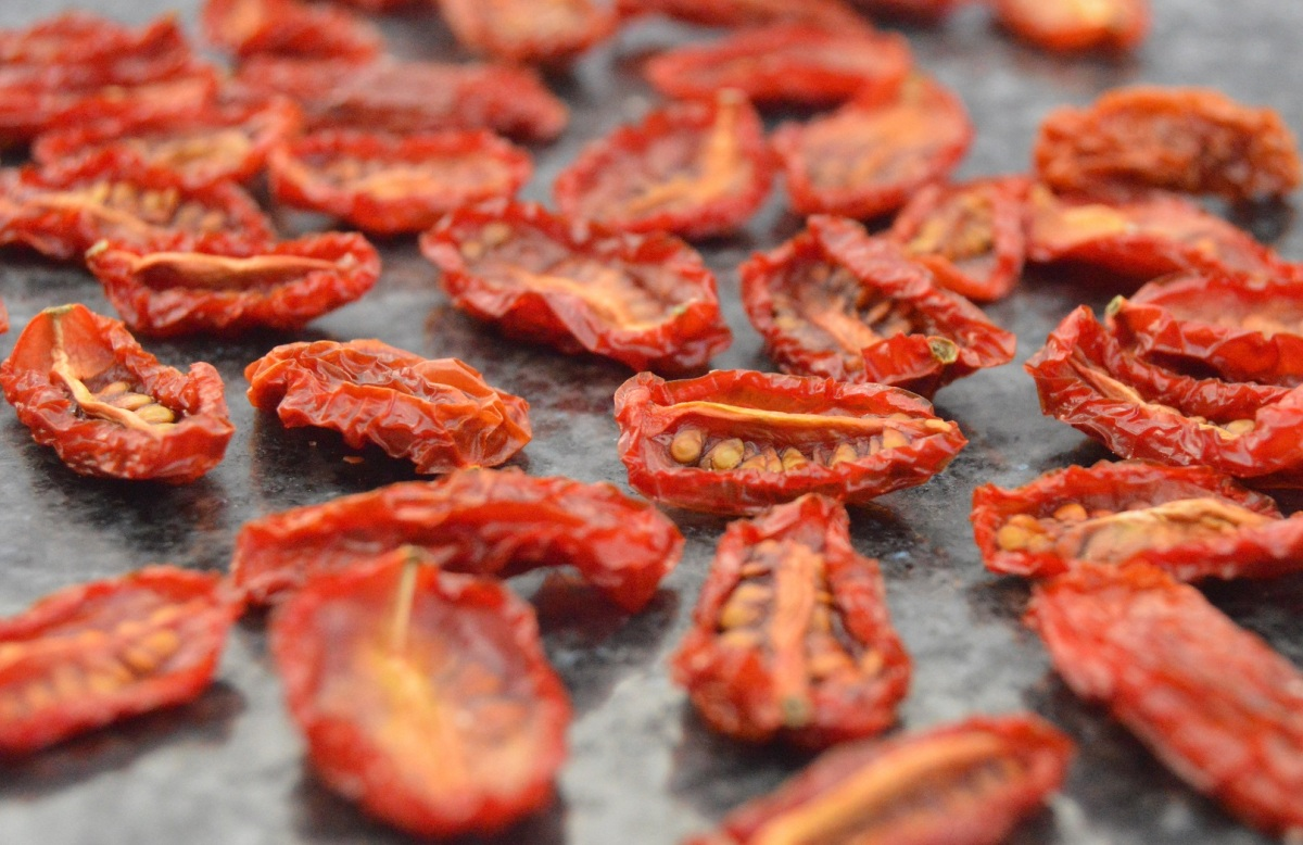 """The joys of a food dehydrator: """"Andrew James"""" product review &tips"""