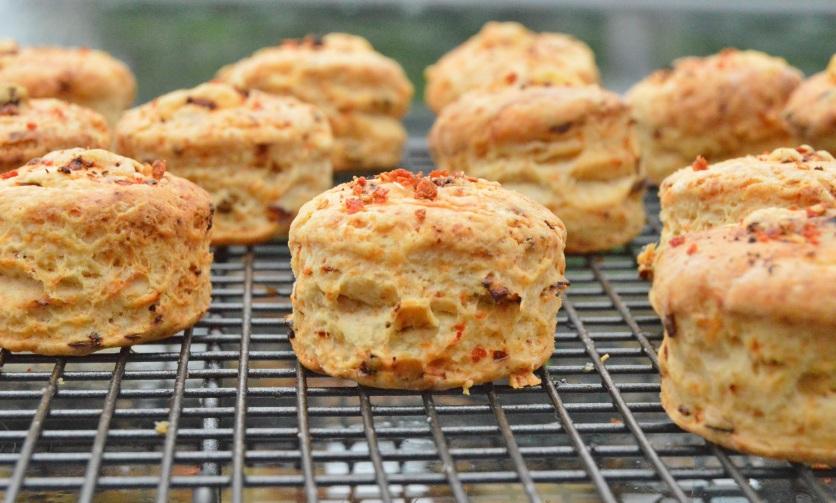 Tomato & cheese scones
