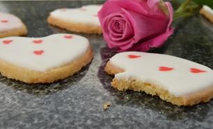 Lemon & honey Valentine shortbreads