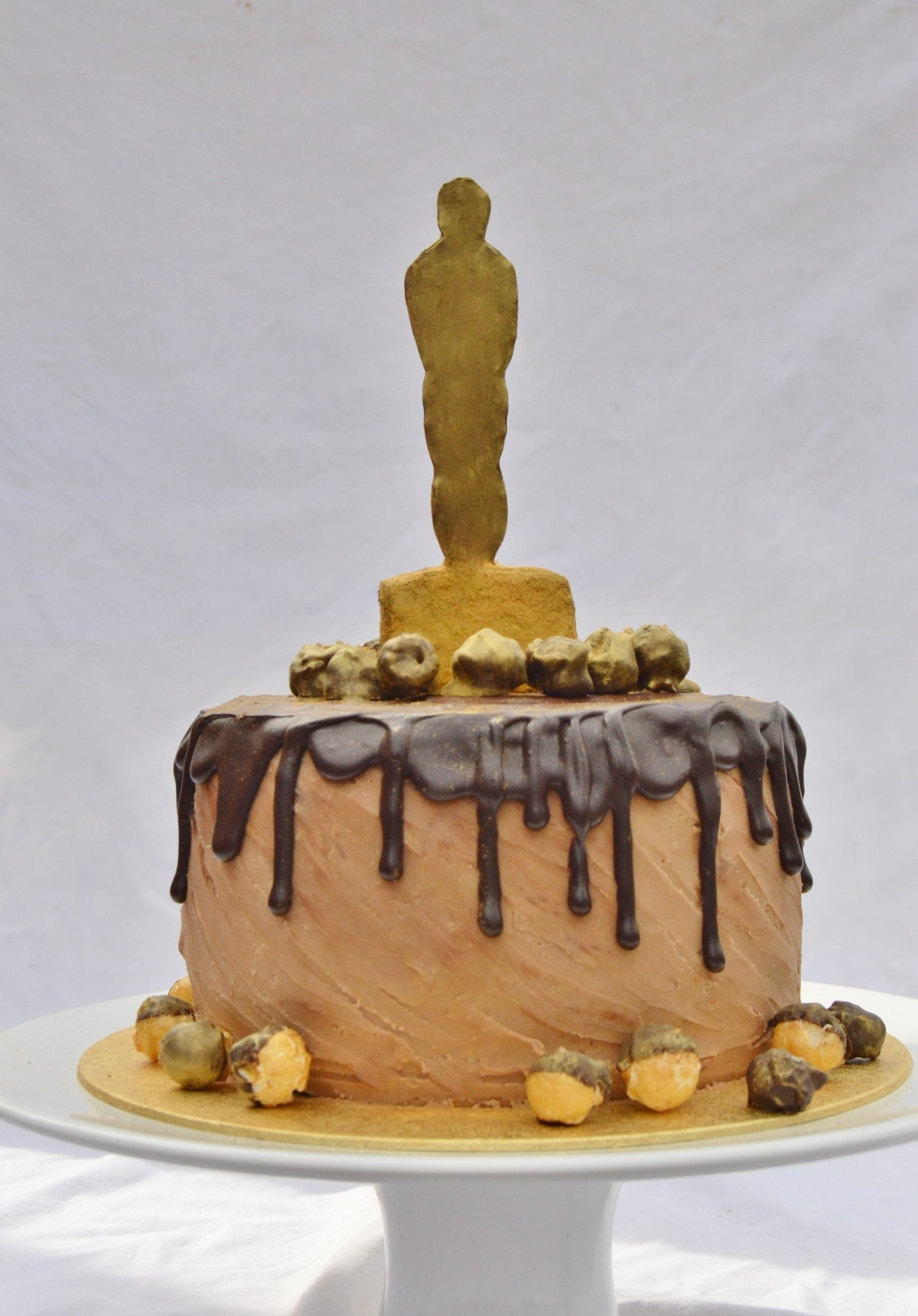 "Oscars-themed drip cake: ""death by Chocolat"""