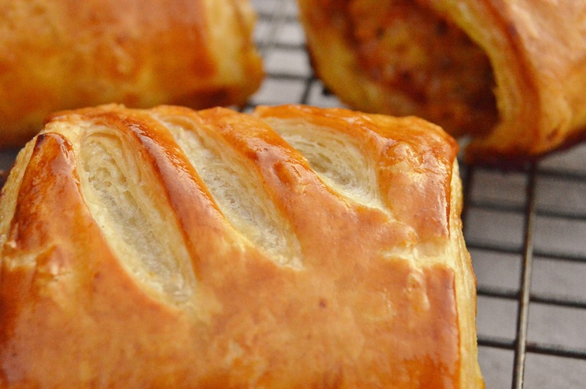 Sausage rolls with a quick & easy rough-puff pastry