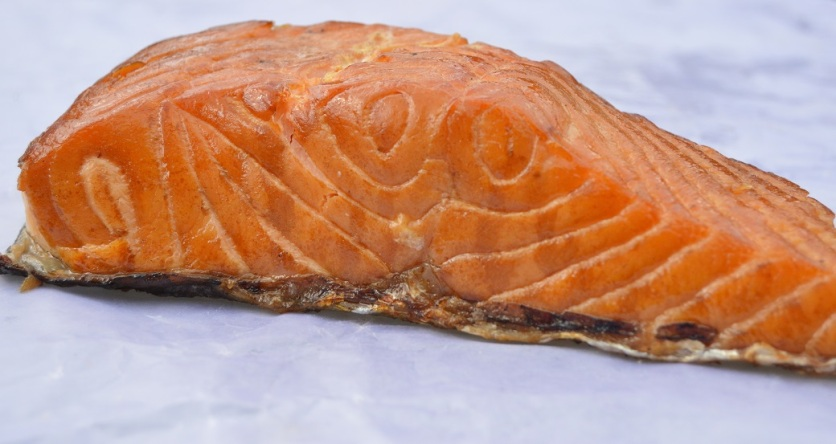 Hot-smoked salmon fillet