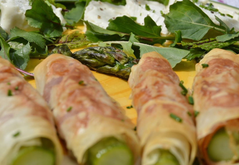 Asparagus wrapped in phyllo dough