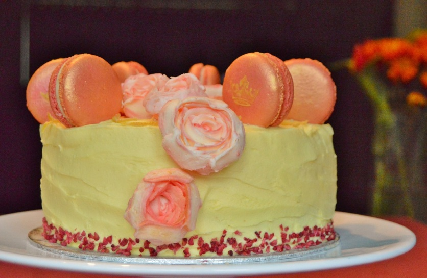 Gin & tonic macaron cake