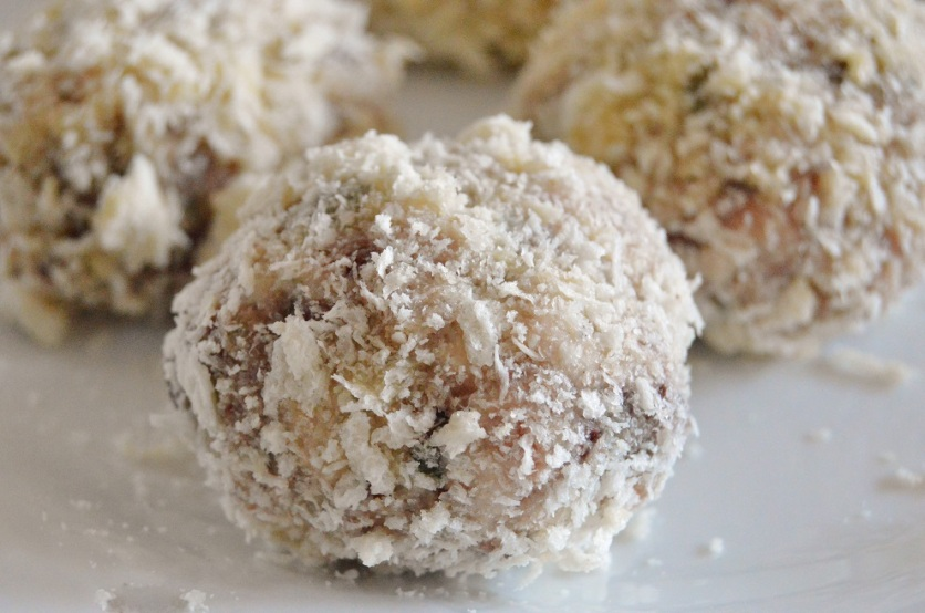 scotch eggs: ready to deep-fry