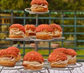 Choux buns with blackcurrant craquelin