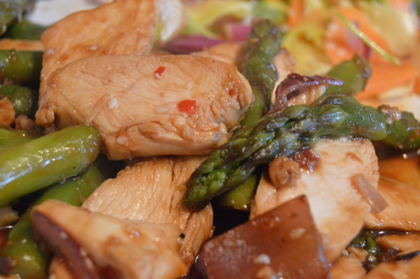 Spiced chicken and asparagus