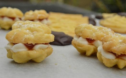 Cinnamon & orange Viennese whirl biscuits