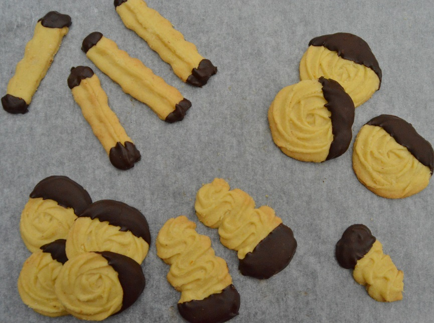 Cinnamon & orange Viennese biscuits