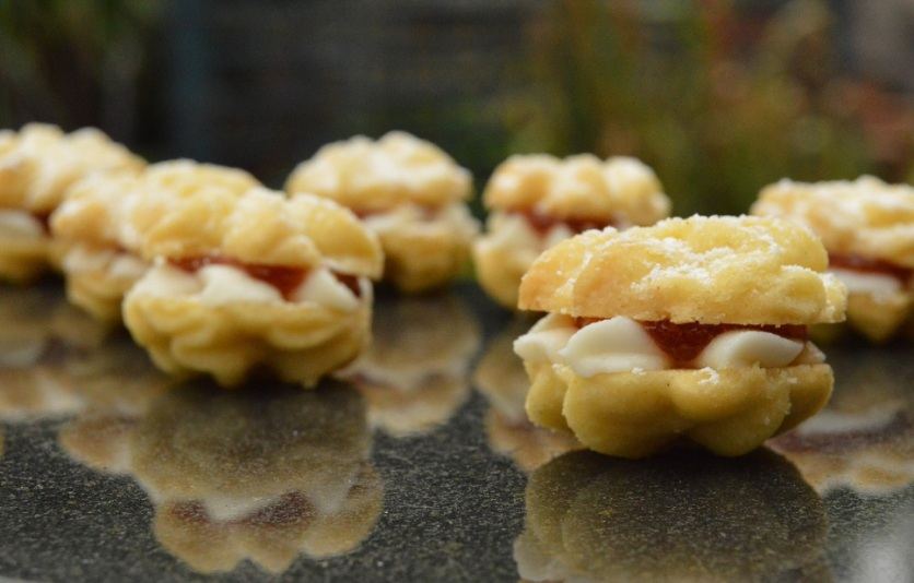 Mini cinnamon & orange viennese whirls
