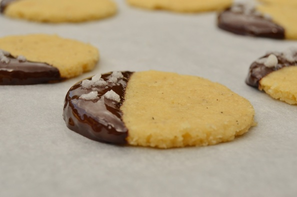 roasted coffee shortbread biscuits