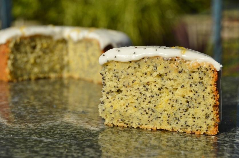 lemon & poppy seed cake