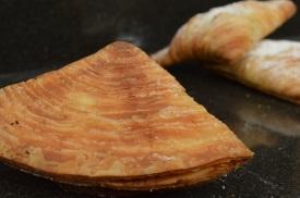 Sfogliatella: crisp underside