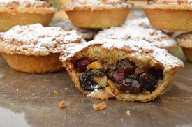 shortbread mince pies with a macaroon topping