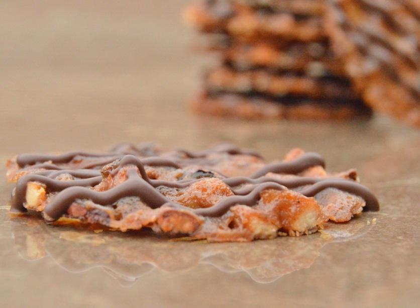 Cashew nut & cocoa nib snaps: thin and very crisp