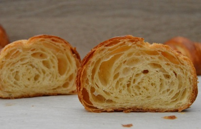 honeycombed interior of traditional croissants