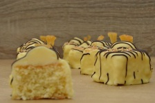 pina colada fondant fancies
