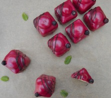 blackcurrant and mint fondant fancies