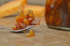 Quick and easy pear chutney