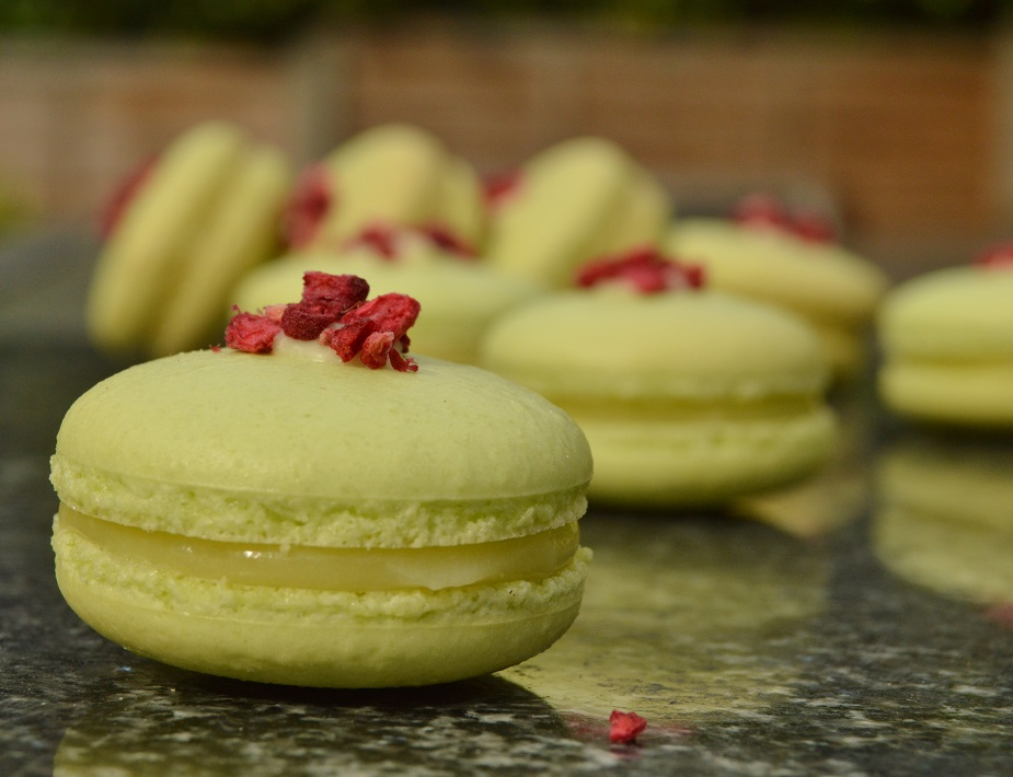 Pistachio and lemon macarons