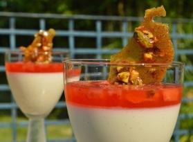 elderflower panna cotta with strawberries & Pimms