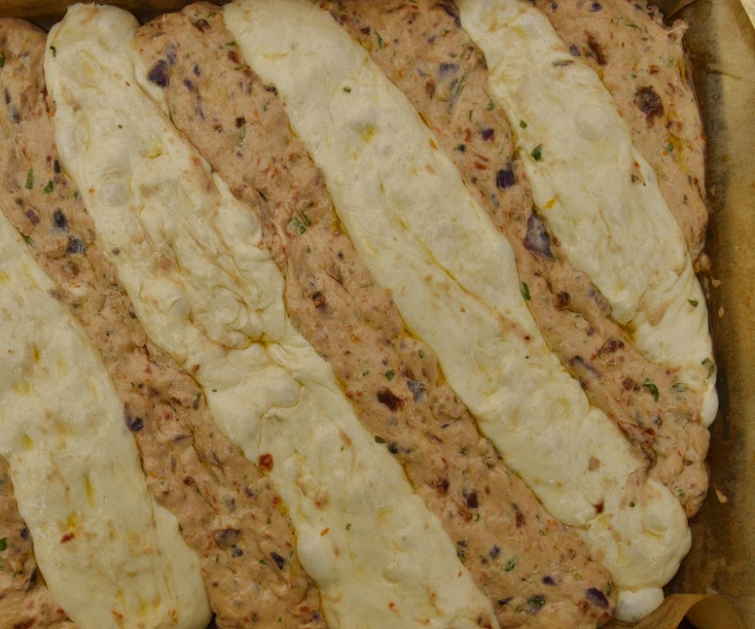 focaccia bicolore - ready to bake
