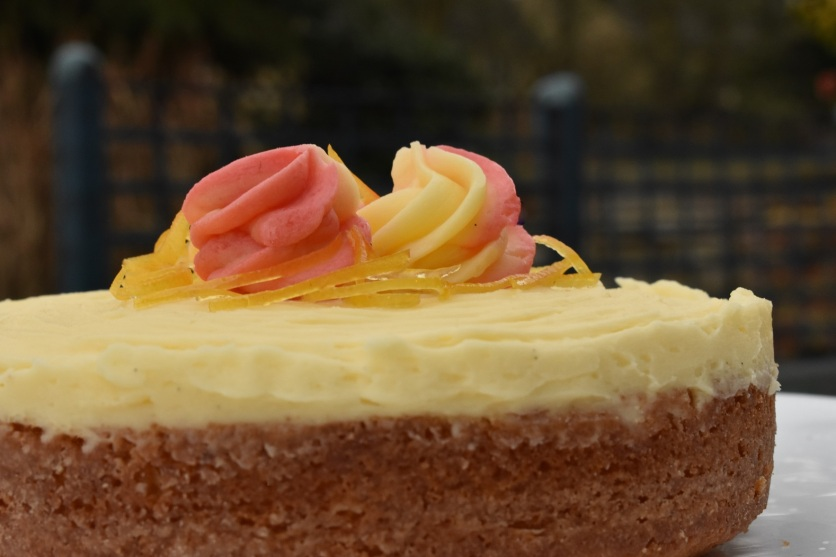 lemon and elderflower cake: using a single sponge layer
