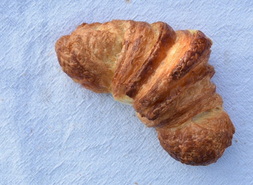 croissant: crisp, light and buttery!