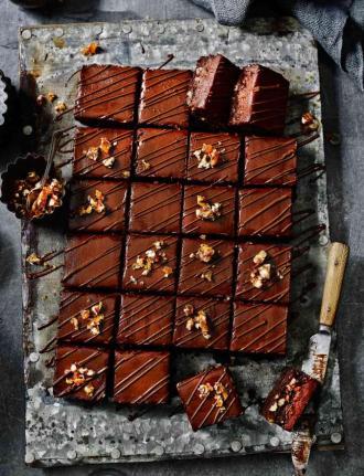 For Sainsbury's Mag: choc, pecan & salted caramel torte