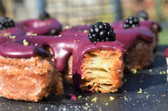 blackberry and lime cronuts