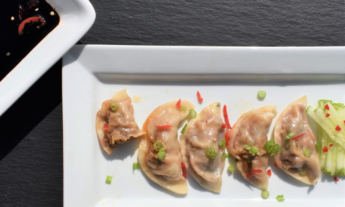 Pork & prawn jiaozi (spiced steamed dumplings)