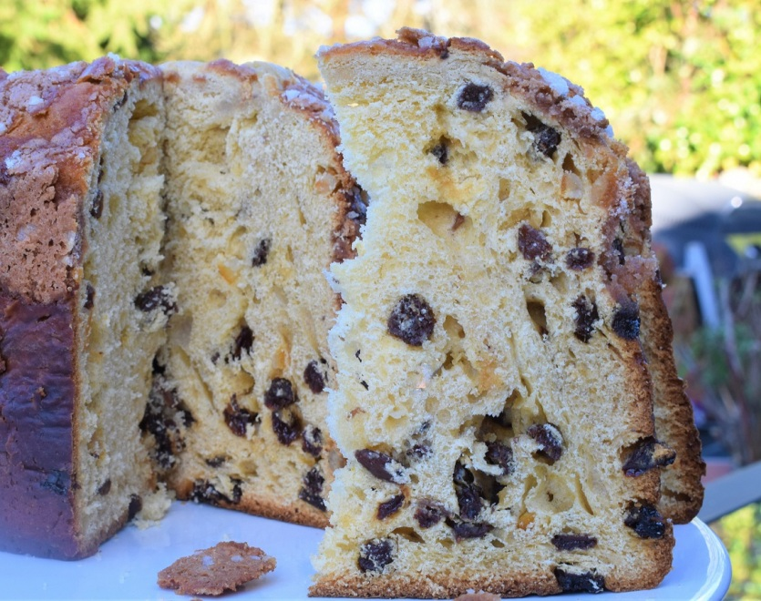 Panettone with spiced almond topping