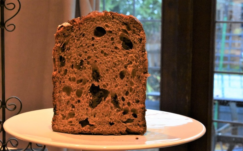 Christmas bread baking homecook Italian chocolate panettone
