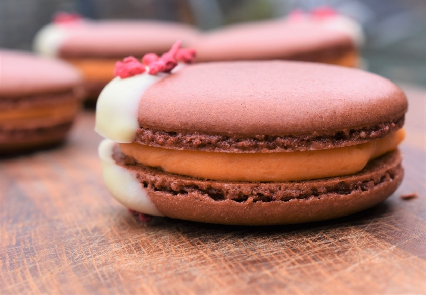 macaron, macarons, macaroons, macaroon, baking, cooking, recipe, French, cocktail, meringue, almonds, nuts, almond, chocolate, gluten-free, glutenfree, gf, gluten free, raspberry, peach, bellini, Prosecco, wine, sparkling, alcohol, cocktail, cocktails, philip, homecook, philipfriend, philip friend, peach, fruit, Surrey, UK, cookery