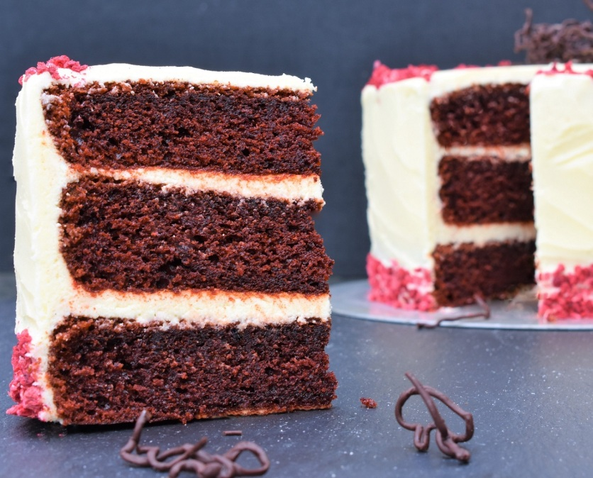 red velvet cake, red velvet, redvelvet, redvelvetcake, cake, cakes, baking, cooking, bake, cookery, recipe, homecook, philip, philip friend, Philipfriend, Surrey, bakingfanatic, kitchen, chocolate, sponge, layers, food, foodie, tasty, chocolatey, colour, color
