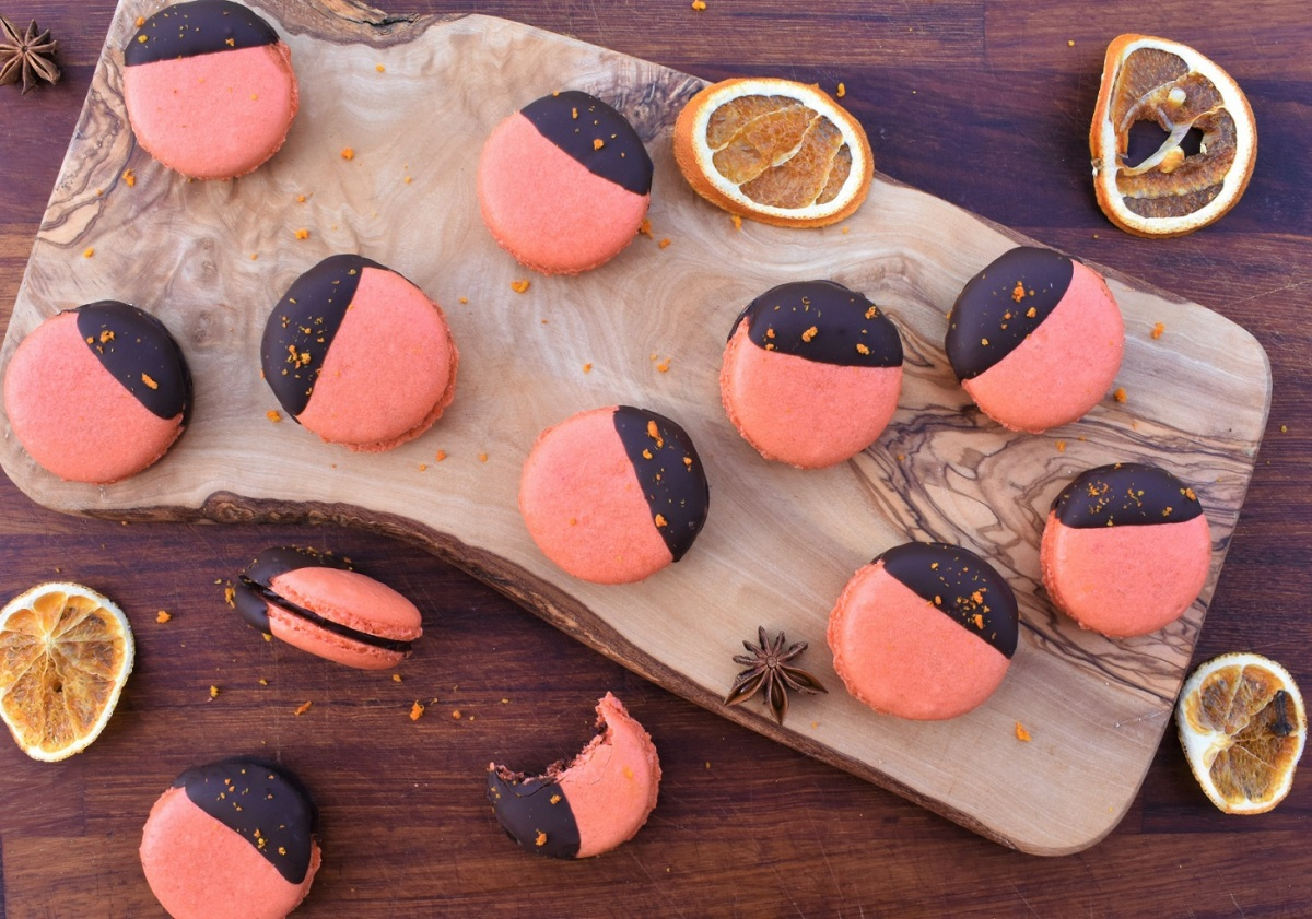 Orange and star anise macarons