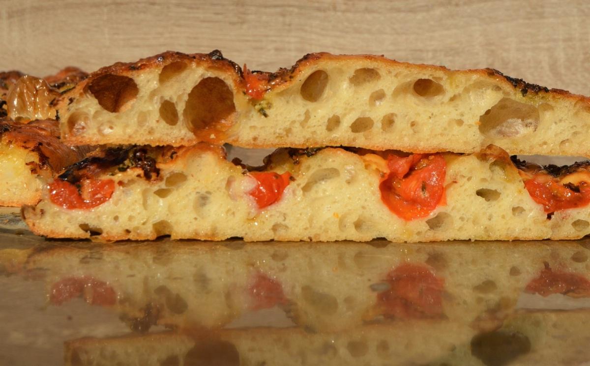 Tomato & pestofocaccia