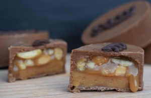 chocolate. snickers. snickers bar, nougat, caramel, peanuts, salted, sweet, sweets, cooking, homecook, best home cook, besthomecook, food, foodie, recipe, philip, philipfriend, philip friend